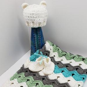 Baby Blanket shower gift set baby booties 4 pc